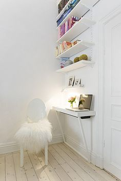 Tiny desk idea for tight spaces. I could do with a bit less of the fluffy, though.
