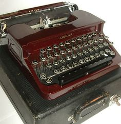 Vintage antique SMITH CORONA 1931 maroon red portable TYPEWRITER typewriter