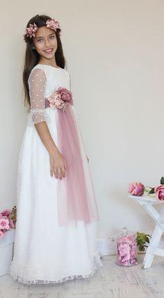 Girls Dresses, Flower Girl Dresses, First Communion, Muslim Fashion, Fashion Outfits, Wedding Dresses, Party, Kids, Anna