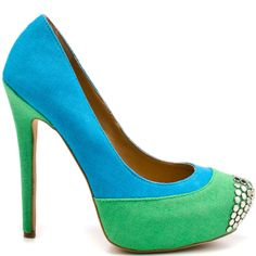 Add some zest to your regular go-to pump style with this heel from Penny Loves Kenny. Tetra brings you a green and turquoise canvas upper with silver studs at the vamp. This pump is complete with a 4 3/4 inch heel and 1 inch platform.