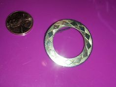 Vintage Gold Tone Circle Pin *Sm. Ship'n Fee Req'd*