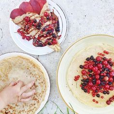 It's a belated #BreakfastSpread Friday with homemade crepes and a baby criminal fingers that just couldn't wait 👶🏼😋 Topped with fresh picked berries from our country garden, apricot seed butter (!), and homemade blackcurrant jam. Yum! See the real behind the scenes on snapchat - brkfstcriminals #breakfastcriminals
