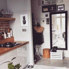 """710 Likes, 124 Comments - Edyta (@edytafl) on Instagram: """"A tymczasem kuchnia wróciła na swoje miejsce roznica przed i po?? jest nowa podłoga, metalowa…"""""""