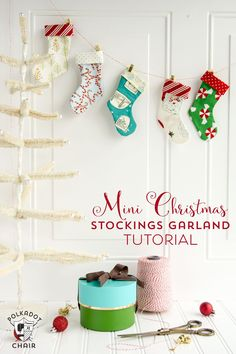Use this free sewing pattern to stitch up your own mini Christmas Stocking Garland a cute sewing project for Christmas, DIY Gift card holder. Diy Craft Projects, Cute Sewing Projects, Diy And Crafts Sewing, Sewing Projects For Beginners, Sewing Ideas, Craft Ideas, Christmas Sewing, Christmas Crafts, Christmas Ornaments