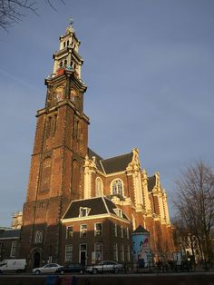 Built in the early 17th century for the wealthy residents of the grachtengordel, Westerkerk was at one time the largest Protestant church in the world and is noted as being one of the oldest in Amsterdam built to serve a Protestant congregation.