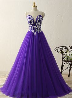 Purple sweetheart deep V neck appliques beads ball gown vintage dresses