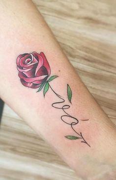 tatuagem escrita vó:maculino feminina peitoral perna deus costas braco nomes mao pequena delicada mae filha casal amor Mini Tattoos, Flower Tattoos, Body Art Tattoos, Small Tattoos, Delicate Tattoo, Feminine Tattoos, Rosa Tattoo, Rose Tat, Ink Art