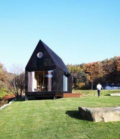 Anti-Cutesy: A Tiny House that Masters Minimalism | Apartment Therapy