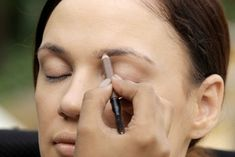 How To Make Eyebrows Thicker? - Step 2: Fill Your Eyebrows with Pencil