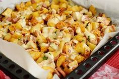 Cartofi la cuptor cu pui si cascaval   Rețete Papa Bun Baby Food Recipes, Great Recipes, Chicken Recipes, Cooking Recipes, Healthy Recipes, Potato Dishes, Healthy Meal Prep, Healthy Food, Soul Food