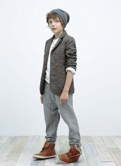 August - Kids - Lookbook - ZARA United States - Look 5 // grey blazer with sleeves rolled up and beanie // tween boy winter look