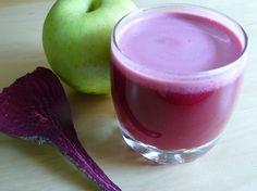 O suco de beterraba, maçã e cenoura é considerado um dos mais saudáveis e curativos que existem. É fácil de preparar, econômico e tão eficiente que pode ser ingerido diariamente. Confira.