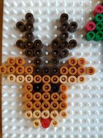 : DIY : Tuto : perles Hama à repasser : modèles simple No.: DIY: Tutorial: Hama beads to iron: simple Christmas models: to decorate your gifts a Perler Bead Designs, Hama Beads Design, Diy Perler Beads, Perler Bead Art, Pearler Bead Patterns, Perler Patterns, Loom Patterns, Christmas Perler Beads, Motifs Perler