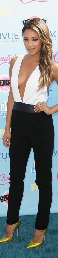 Shay Mitchell from Pretty Little Liars. Love this outfit