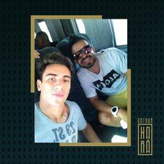 """""""#PartiuUberaba. Selfie com Bruninho, do Som Muleke, a caminho da CIA (Copa Inter Atléticas). Faço participação hoje no show deles. """""""