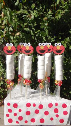 Are you having Elmo party? Make your party unique and sweet with these candy party favors! Handmade candy party favors with marshmallows and the cute Elmo tags. This listing is for 1 Elmo Party Favor. Elmo First Birthday, Boy Birthday Parties, Elmo Birthday Party Ideas, Sesame Street Party, Sesame Street Birthday, Elmo Cake, Cookie Monster Party, Elmo Party Favors, Street Children