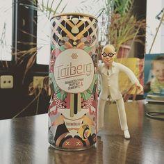 Alternative zu Energy-Drinks um auch am Nachmittag fit zu bleiben, Grüner Tee! Gleichzeitig bekämpft er Keime und Bakterien was das Zahnfleisch und den Zahnschmelz schützt.  #energydrink #säurebad #für #Zähne #Karies #Zucker #Koffein #tealover #Gefahr #alternative #grünertee #vital #hoherfluoridgehalt #stärkt #Zähne #Osteoporose #gesund #healthy #greentea #servatius #sauberzahn #denkaneurezähne #prodente #zähnegutallesgut