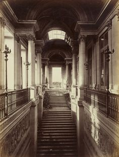 Le Palais des Tuileries, Paris, France. Picture taken in 1871. The palace doesn't exist anymore.