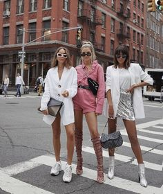 33 ideas for fashion photography street models photo shoot Looks Street Style, Looks Style, Style Année 90, Glam Style, Textiles Y Moda, Summer Outfits, Cute Outfits, Image Fashion, Fashion Top