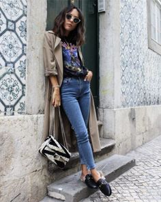 Look con mocasines gucci t-shirt band skinny jeans