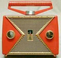 1956 Emerson 847 transistor radio