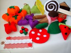 The hungry caterpillar story props set  - felt  play food - educational toy.