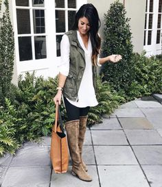 40 Ways to Style Leggings! - The Sister Studio Legging Outfits, Black Leggings Outfit, Boots And Leggings, Sweaters And Leggings, Tops For Leggings, Sporty Outfits, Leggings Fashion, Winter Outfits, Cute Outfits