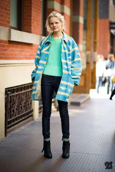 minty, jacket, jeans, pistol boots  menta, saco, jeans, botas