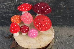 YARNFREAK: Christmas decoration with fly mushrooms