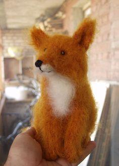 Darling felted fox from fadeeva.com