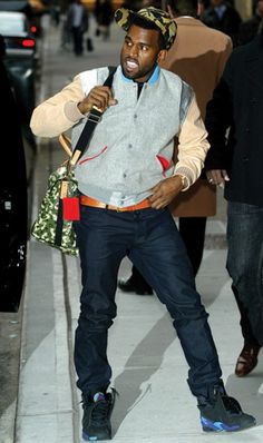 Kayne West wearing baseball jacket from his Pastelle line, and rockin the Jordan Kanye West Outfits, Hip Hop Outfits, Cool Outfits, Kanye West Clothing Line, Aqua Outfit, Yeezy Fashion, Men's Fashion, Yeezy Outfit, Pharrell Williams
