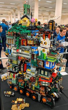 Quand Ninjago City rencontre Mortal Engines - LEGO Ninjago City Mortal Engines The Effective Pictures We Offer You About diy furniture A quality - Lego City, Lego Ninjago City, Lego Design, Minifigura Lego, Lego Hacks, Construction Lego, Lego Sculptures, Lego Display, Amazing Lego Creations