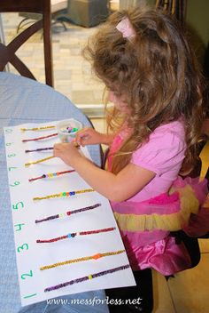 """18 Fine Motor Activities for Preschoolers (counting with beads and pipe cleaners) ***change all pipe cleaners to be black or white and beads color, want to see the """"stairs""""."""