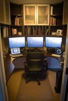 If you are a man and used to work at home, here are some cool ideas how to design a home office in a masculine style. Check at these Amazing Home Office Design Ideas For Men. Closet Office, Bedroom Office, Walk In Closet, Office Decor, Closet Desk, Office Wardrobe, Men Closet, Master Closet, Office Chairs