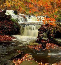Fall in Pennsylvania, Shohola Falls in Pocono Mountains