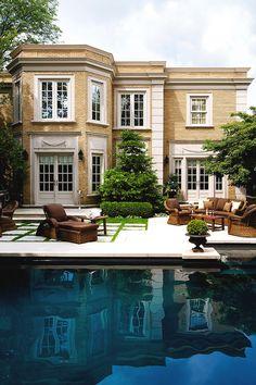 Stunning exterior and backyard Architecture Durable, Architecture Design, Residential Architecture, Outdoor Rooms, Outdoor Living, Architecture Restaurant, Restaurant Design, Beautiful Pools, Beautiful Beautiful