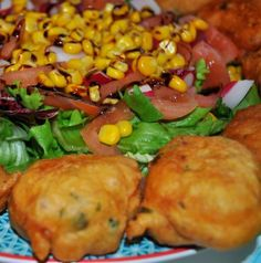 Beignets au Thon Mauritian Food, Cuisine Diverse, Caribbean Recipes, Appetisers, Empanadas, Ramadan, Baked Potato, Entrees, Lunch Box