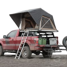 Tips For A Good Hiking Experience. Truck Top Tent, Diy Roof Top Tent, Truck Tent Camping, Truck Bed Camper, Pickup Camper, Top Tents, Glamping, Nissan, Camper Tops