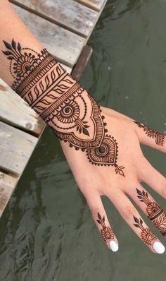 Small henna tattoo - Famous Last Words Small Henna Tattoos, Henna Inspired Tattoos, Henna Ink, Henna Tattoo Designs Simple, Beginner Henna Designs, Henna Tattoo Hand, Small Tattoo, Pet Tattoos, Woman Tattoos