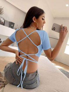 Features Hombro XS: 33 cm, S: 34 cm, M: 35 cm, L: 36.5 cm Pecho XS: 78 cm, S: 82 cm, M: 86 cm, L: 92 cm Largo XS: 37 cm, S: 38 cm, M: 39 cm, L: 40.5 cm Largo de la manga XS: 16.5 cm, S: 17 cm, M: 17.5 cm, L: 18.25 cm Crop Tee, Fashion News, Backless, Lace Up, Tees, Dresses, Manga, Amazing, Check