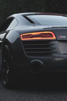 artoftheautomobile:  Audi R8 V10 Plus (Credit: Lawntech...