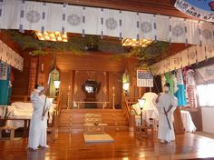 Susuharai - end of year cleaning at Taiheizan Miyoshi Jinja.