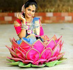 Pelli poola jada Indian bridal and wedding Accessories. Wedding Flower Decorations, Diwali Decorations, Garland Wedding, Telugu Wedding, Wedding Mandap, South Indian Bride Hairstyle, Indian Flowers, Marriage Decoration, Hindu Bride