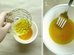 Mascarilla para el cabello... mua! 5 cucharadas de aceite de oliva 1 yema de huevo. Mezclar y untar de la raíz a la punta, dejar durante 20 minutos, luego lava tu cabello con tu shampoo usual :D!