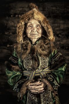 faces of Siberia: incredible portraits of indigenous people in the world's coldest place Alexander Khimushin / The World In Faces . What a beautiful womanAlexander Khimushin / The World In Faces . What a beautiful woman We Are The World, People Around The World, People Photography, Portrait Photography, Landscape Photography, Photography Tips, Street Photography, Nature Photography, Fashion Photography
