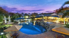 Hotel Grand Chancellor Palm Cove Palm Cove Ideally located in the lovely village of Palm Cove, gateway to the Far North Queensland's Great Barrier Reef and Daintree Rainforest, Hotel Grand Chancellor Palm Cove is set over 3 hectares of lush tropical gardens.