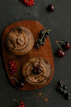Mousse au Chocolat (Raw/ Vegan) — Kitchen Hoopla #chocolate #dessert #vegan #raw #avocado #cashew