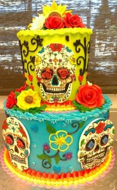 This is a real sugar skull!  Beautiful cake