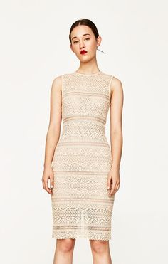Vestido tubo renda (maquilhagem): ZARA (39,95€)