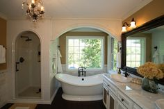 Love the little nook for the bathtub, although it would be horrible to clean around.
